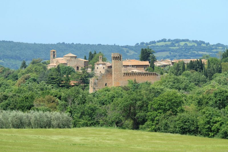7621161 - picturesque medieval village, sovana, tuscany, italy