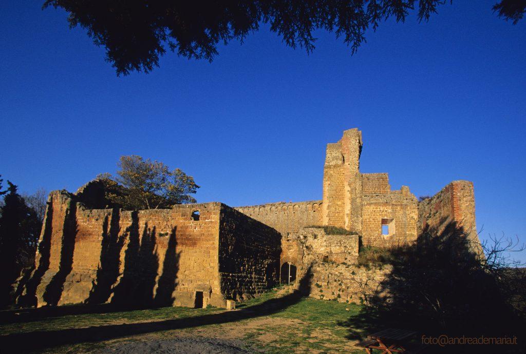 Sovana antica città etrusca nella Maremma Toscana